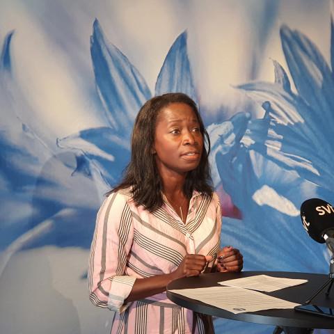 Nyamko Sabuni håller pressträff om skolan