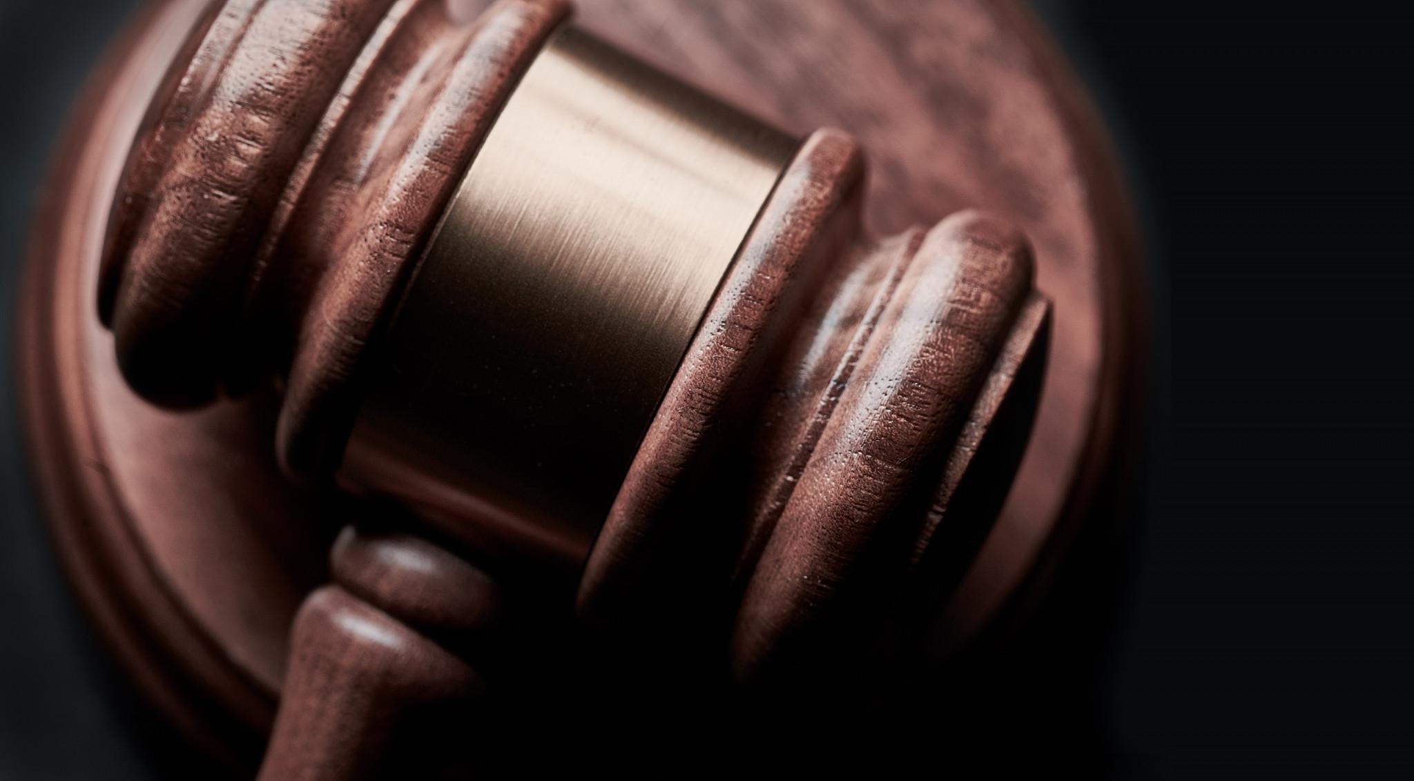 In zoomad träklubba associerat med lag och rätt.